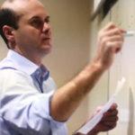Michele Zanolin insegna