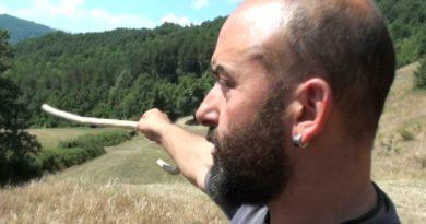 Lupo aggredisce un uomo nella zona di Solignano. Intervista a Michele il pastore aggredito.