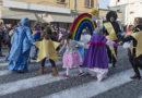 Carnevale di bassa valle a Fornovo con carri e maschere da Calestano Collecchio Solignano Varano Medesano