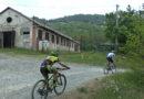 Fornovo Bike Trofeo di Pasqua, deviata corsa per un auto di traverso sul percorso