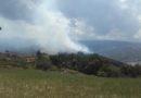 Solignano. Il vento rida vigore all'incendio si attende l'intervento dell'elicottero.
