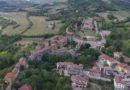 Sorvolando il castello di Varano de' Melegari