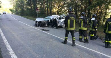 Impressionante incidente lungo la strada del passo del Cento Croci nei pressi di Borgotaro