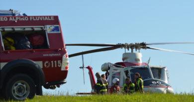 Elicottero per il Soccorso Alpino interviene a Bardi