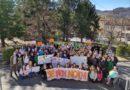 """Anche la scuola di Varano Melegari ha partecipato allo """"sciopero"""" per salvare il mondo. Le immagini."""